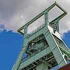 Blick von unten auf einen Förderturm in Bochum