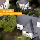 Die Kirche der Petrusgemeinde in Darmstadt aus der Luft betrachtet