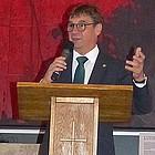 Kirchenpräsident Volker Jung in der Pauluskirche
