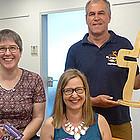 Die JuLeiCa-Schulung bieten Hartmut Heuser (hintere Reihe), Astrid Möller und Barbara Maage in einem Grundkurs an, der in den Herbstferien in Dautphetal-Holzhausen stattfindet.  FOTO: BECKER-VON WOLFF