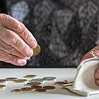 Besonders Frauen sind von Altersarmut betroffen.